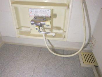 配管交換し漏水調査箇所の復旧